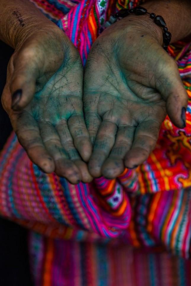 """Nhiếp ảnh gia Pháp 10 năm ghi lại """"cái lạ"""" của các dân tộc VN - ảnh 11"""