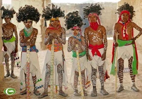 Lạ lùng bộ lạc sống 100 tuổi, khỏe nhất thế giới - ảnh 1