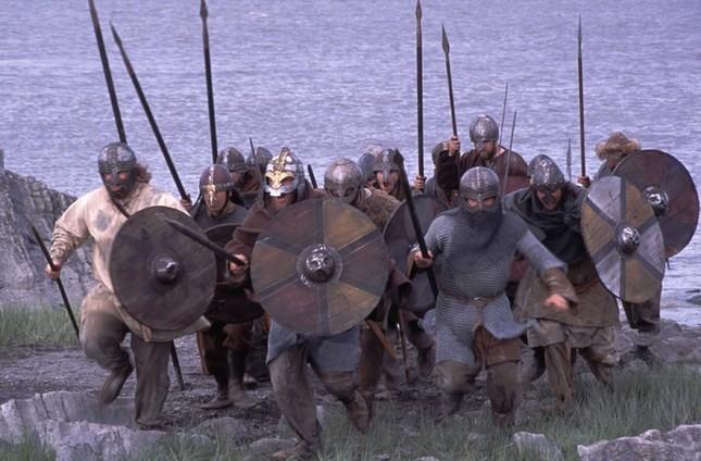 Phát hiện pháo đài tròn bí ẩn của người Viking ở Đan Mạch - ảnh 1