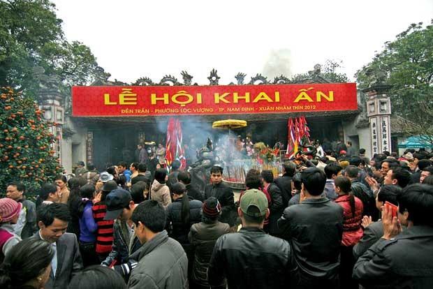 Lễ hội đền Trần phát ấn sớm hơn mọi năm - ảnh 1