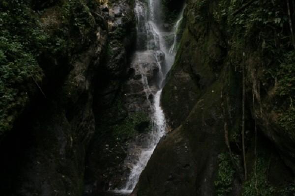 Hé lộ về chuyện tình yêu buồn sau thác Trái Tim giữa rừng Tây Bắc - ảnh 6