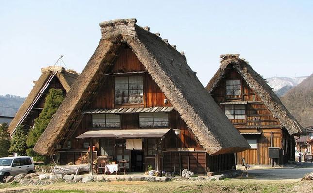 Khám phá làng cổ làng cổ Shirakawa-go và Gokayama ở Nhật - ảnh 2