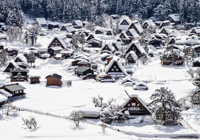 Khám phá làng cổ làng cổ Shirakawa-go và Gokayama ở Nhật - ảnh 3