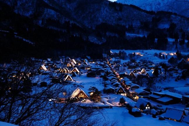 Khám phá làng cổ làng cổ Shirakawa-go và Gokayama ở Nhật - ảnh 8