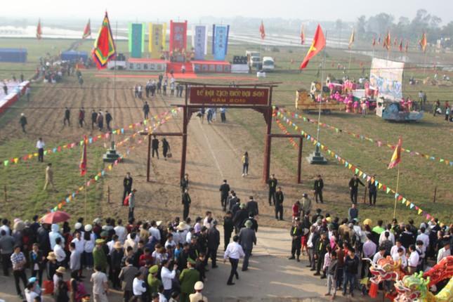 Hà Nam: Nô nức xem 'vua' cày ruộng đầu năm - ảnh 1