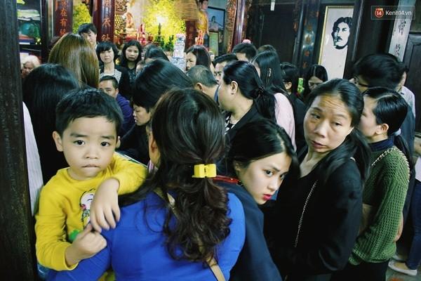 Người Hà Nội chen nhau đăng ký dự lễ cầu an và dâng sao giải hạn - ảnh 2