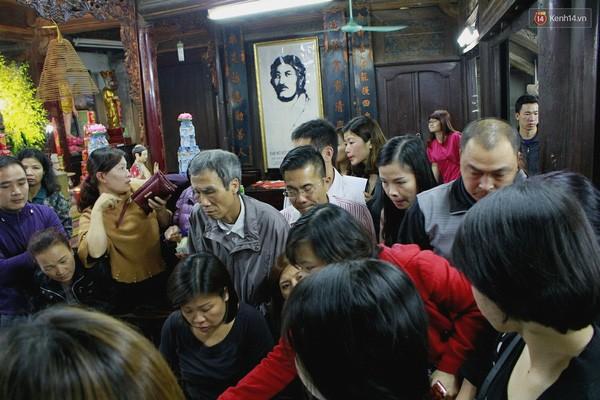 Người Hà Nội chen nhau đăng ký dự lễ cầu an và dâng sao giải hạn - ảnh 3