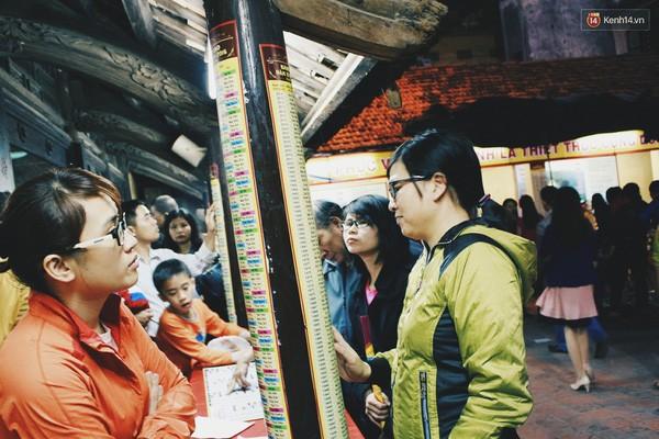 Người Hà Nội chen nhau đăng ký dự lễ cầu an và dâng sao giải hạn - ảnh 5