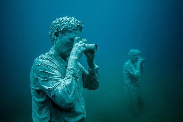 Chiêm ngưỡng bảo tàng khắc đá có '1-0-2' dưới lòng Đại Tây Dương - ảnh 6