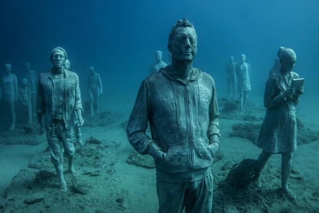 Chiêm ngưỡng bảo tàng khắc đá có '1-0-2' dưới lòng Đại Tây Dương - ảnh 4
