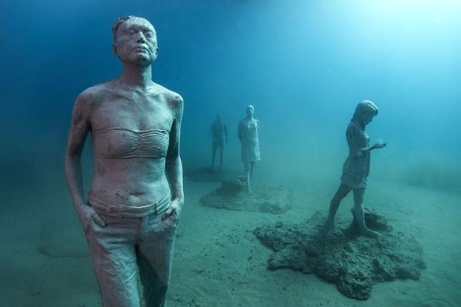 Chiêm ngưỡng bảo tàng khắc đá có '1-0-2' dưới lòng Đại Tây Dương - ảnh 3