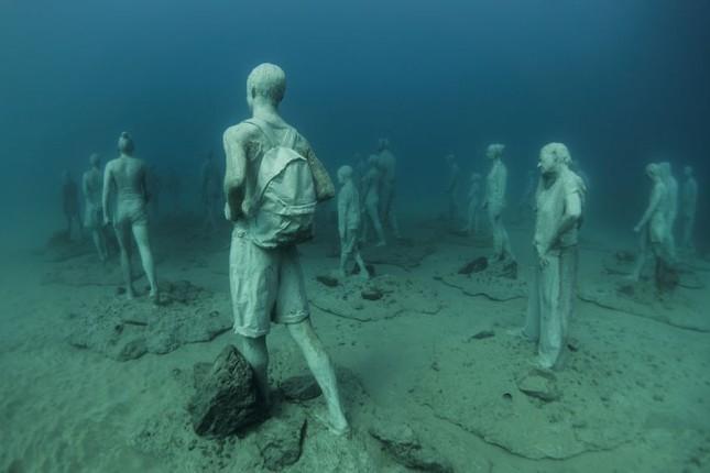 Chiêm ngưỡng bảo tàng khắc đá có '1-0-2' dưới lòng Đại Tây Dương - ảnh 2