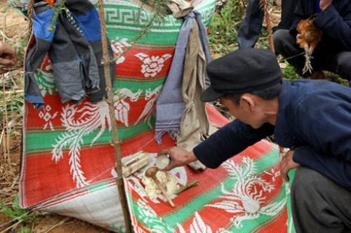 Tục cúng ma khô của người Mông ở Đồng Văn - ảnh 1