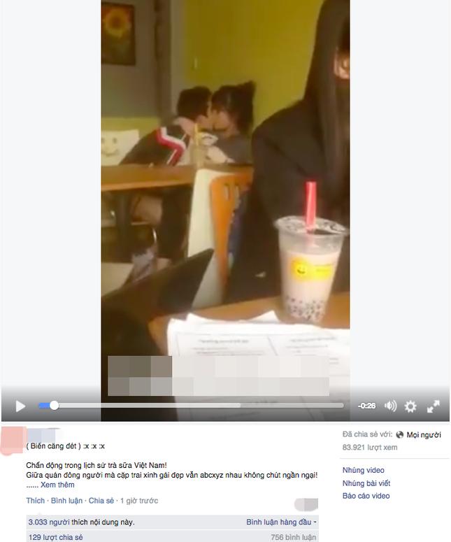 Cặp đôi 'yêu cuồng nhiệt' tại quán trà sữa - ảnh 1