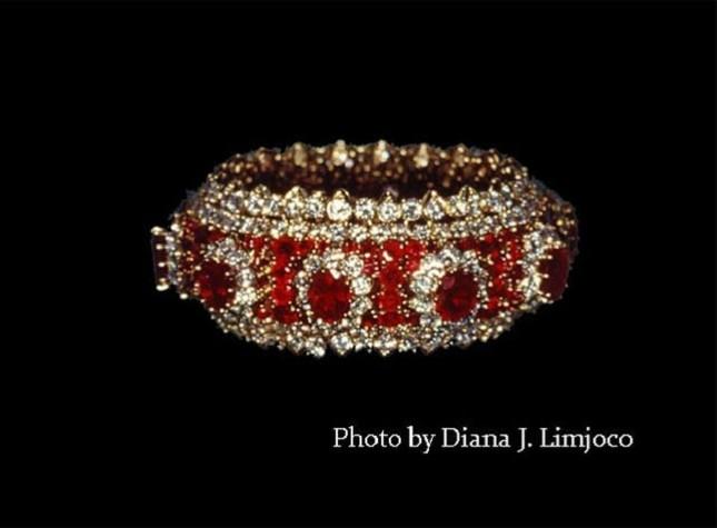 Chiêm ngưỡng bộ trang sức 'khủng' của vợ nhà độc tài Philippines - ảnh 5