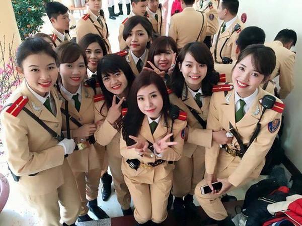 Ngất ngây với vẻ đẹp của nữ cảnh sát giao thông Việt Nam - ảnh 2