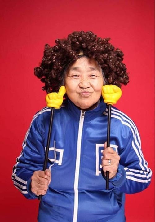 Dân mạng sôi sục với hình ảnh bà nội 80 tuổi 'sành điệu nhất TQ' - ảnh 6