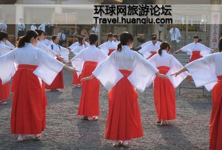 Sự thật về các 'trinh nữ hiến thần' trong đền thờ của người Nhật - ảnh 3
