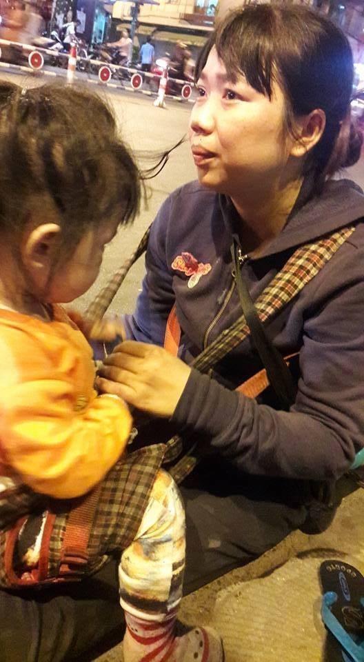 Nhói lòng người phụ nữ bại liệt bị chồng ruồng bỏ vì sinh bé gái - ảnh 3