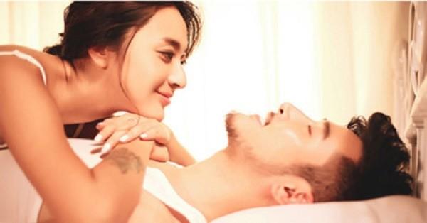 Bi hài kế hoạch vợ chồng phải 'yêu' đúng đêm giao thừa - ảnh 1