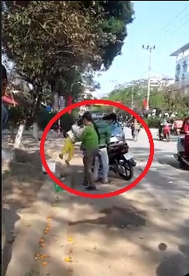 Thái Nguyên: Bé trai bị bà ném vào sọt rác ngày Tết vì làm mất ví - ảnh 1