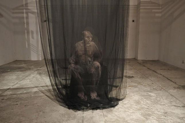 Nghệ thuật tranh 3D cực ấn tượng làm từ vải màn tuyn - ảnh 5