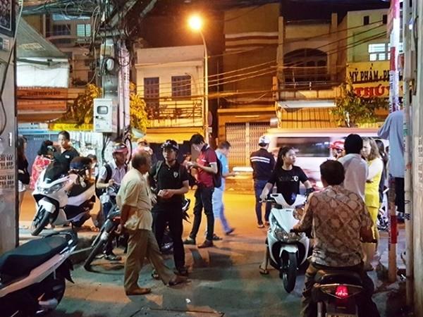 TP.HCM: Nổ súng, ném lựu đạn gây náo loạn khu phố - ảnh 1