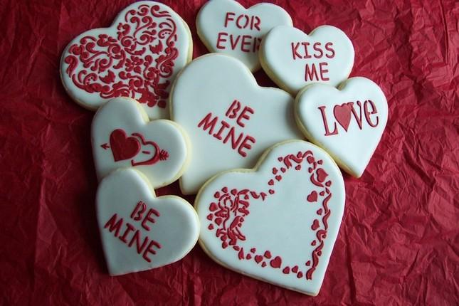 Sự khác nhau giữa Valentine Trắng, Valentine Đỏ và Valentine đen? - ảnh 1