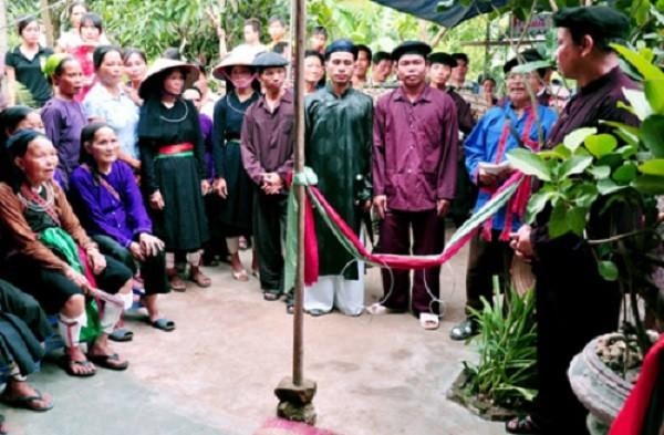 Xem lễ chặn đường nhà gái ở đám cưới người Cao Lan - Bắc Giang - ảnh 1