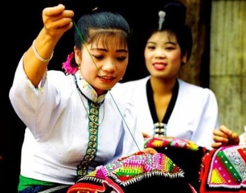 Ý nghĩa của chiếc khăn Piêu - biểu tượng tín ngưỡng người Thái - ảnh 3