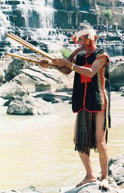 Độc đáo lễ cúng bến nước xưa và nay ở Tây Nguyên - ảnh 3