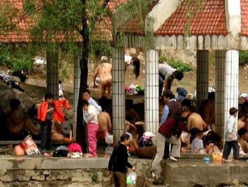 Xem văn hóa đặc sắc nam - nữ tắm chung của người Nhật - ảnh 6