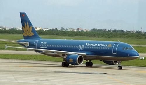 Vietnam Airlines điều chỉnh lịch bay do thời tiết xấu tại HP - ảnh 1