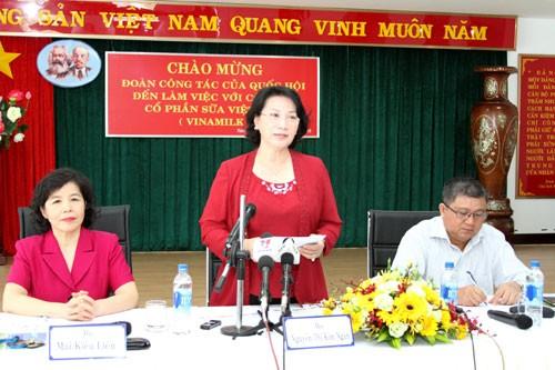 Đoàn công tác Quốc Hội đến làm việc với Vinamilk - ảnh 1