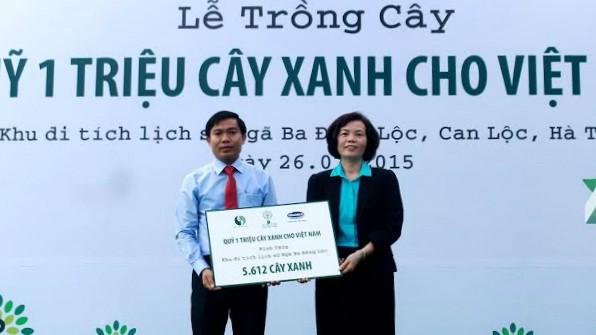 Vinamilk trồng hơn 5.000 cây xanh tại Khu di tích Ngã Ba Đồng Lộc - ảnh 9