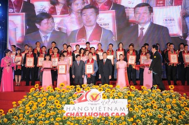 Vinamilk 20 năm liền là hàng Việt Nam Chất lượng cao - ảnh 1