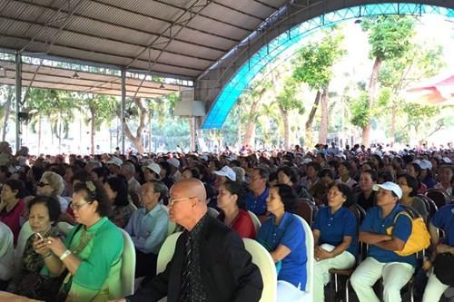 Vinamilk tư vấn sức khỏe cho hơn 2.100 người tại TP HCM - ảnh 2