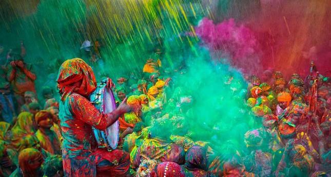 Ngập mình trong lễ hội màu sắc Holi và bí mật cấm của góa phụ Ấn - ảnh 3