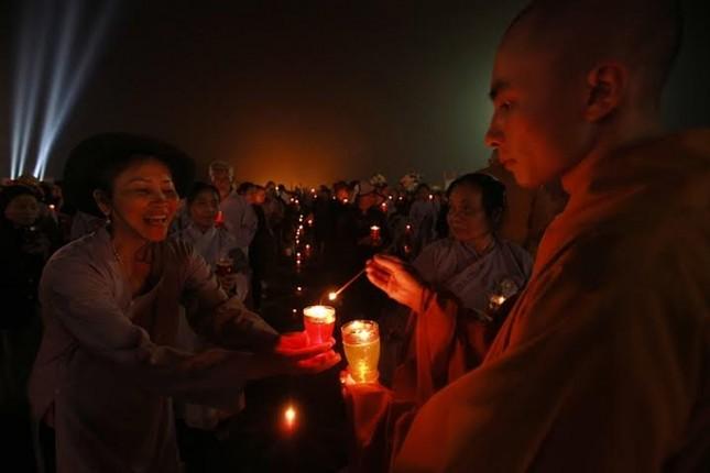 Hàng ngàn người dự Đêm hội Hoa đăng Tây Thiên - ảnh 6