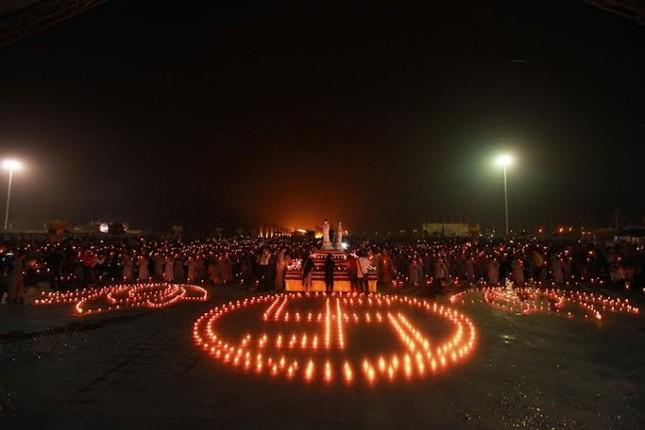 Hàng ngàn người dự Đêm hội Hoa đăng Tây Thiên - ảnh 9