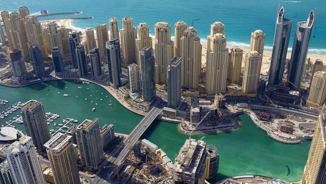 Bộ ảnh Dubai 'biến hóa' thành thành phố xa xỉ sau 60 năm - ảnh 12