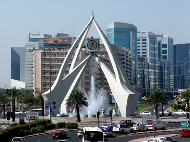 Bộ ảnh Dubai 'biến hóa' thành thành phố xa xỉ sau 60 năm - ảnh 16