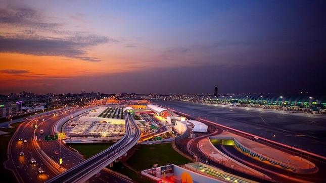 Bộ ảnh Dubai 'biến hóa' thành thành phố xa xỉ sau 60 năm - ảnh 8