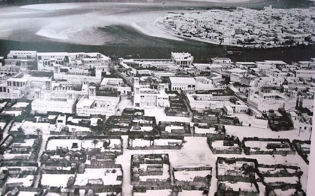 Bộ ảnh Dubai 'biến hóa' thành thành phố xa xỉ sau 60 năm - ảnh 9