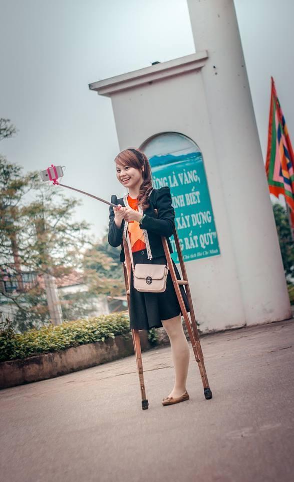 Cô gái một chân cười rạng rỡ khiến dân mạng 'thổn thức' - ảnh 1