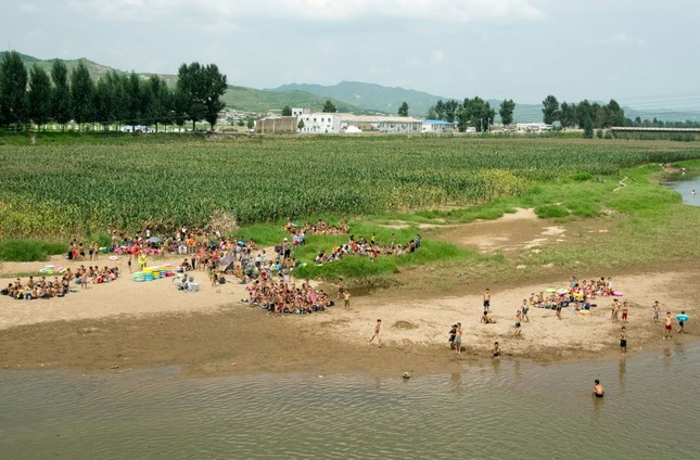 Triều Tiên qua những bức ảnh 'chụp lén' bằng điện thoại - ảnh 15