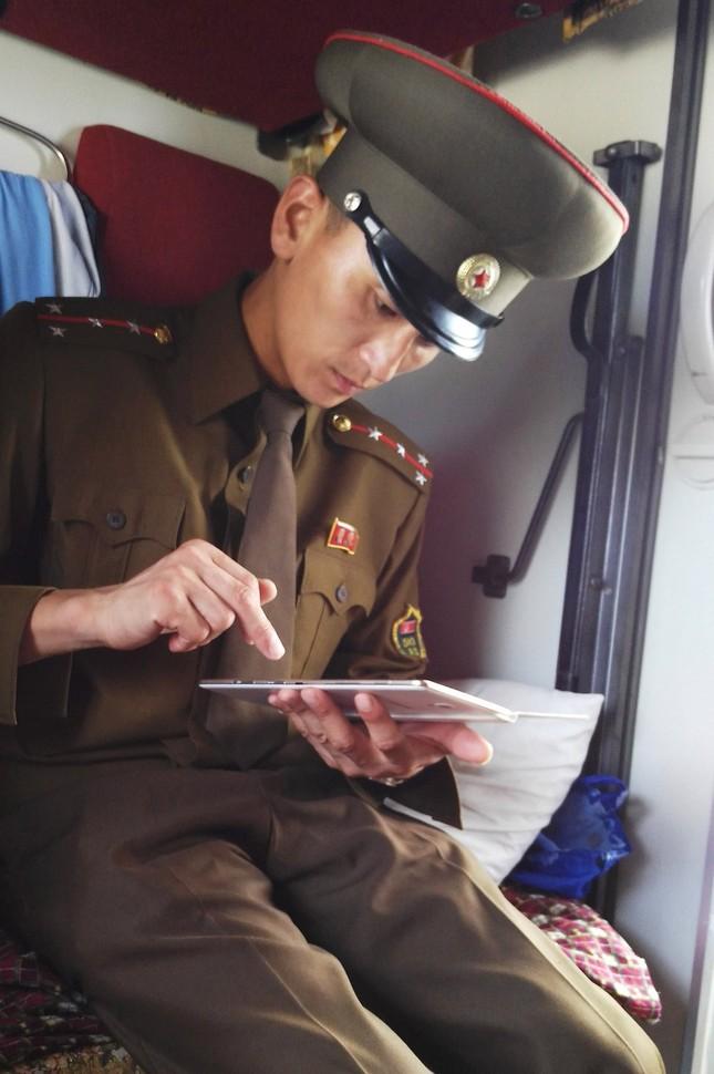 Triều Tiên qua những bức ảnh 'chụp lén' bằng điện thoại - ảnh 11