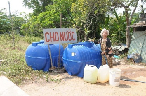 Miền Tây hạn hán: Chỉ cho chứ không bán nước! - ảnh 1