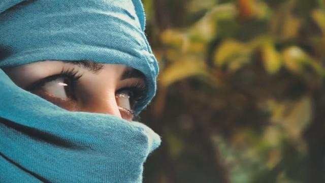 Choáng với những phong tục cầu hôn độc đáo trên thế giới - ảnh 4