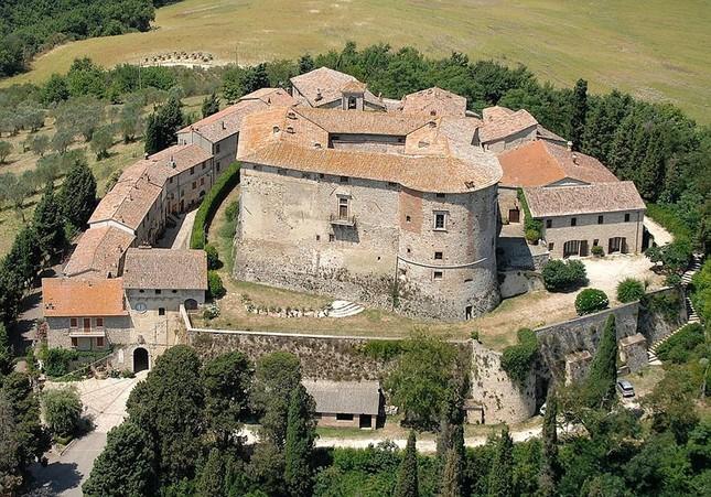 8,3 triệu đô la để tìm chủ nhân cho lâu đài hơn 10 thế kỷ ở Ý - ảnh 2